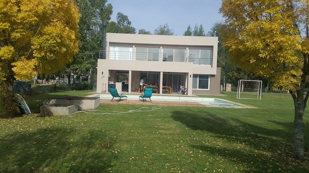 ruta 2 - miralagos casa estilo minimalista ref. 19532