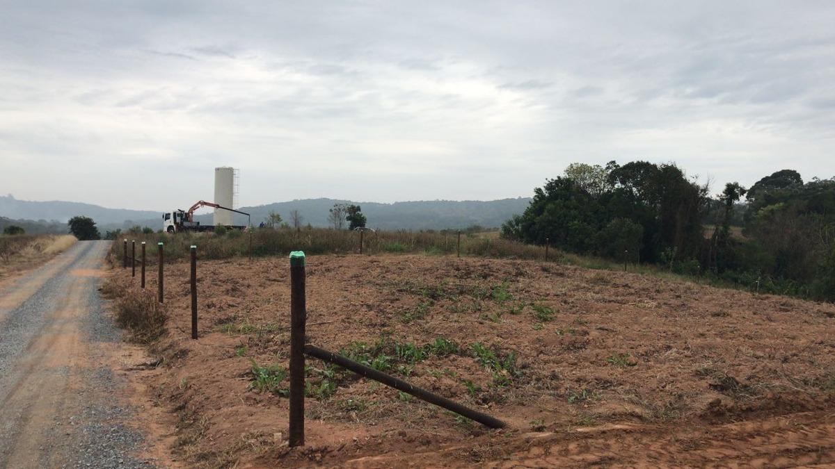 s terrenos 45 mil 1000 m² todos demarcados e cascalhados.