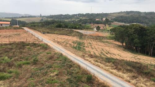 s terrenos de 1000 m², já cascalhados e ruas abertas 45mil.