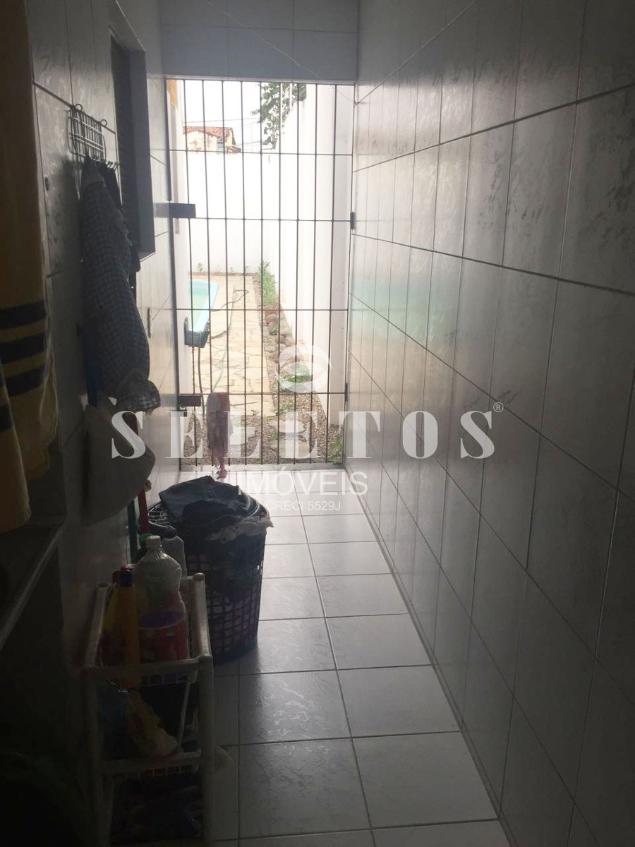 s0300 - casa com 3 quartos à venda, 120 m²
