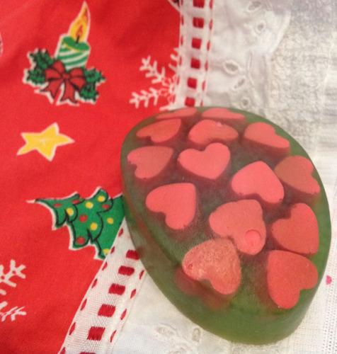 sabonete artesanal com corações (natal)