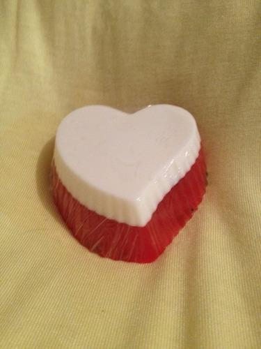 sabonete artesanal coração morango