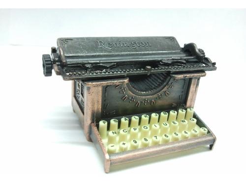 sacapuntas de colección maquina de escribir retro.