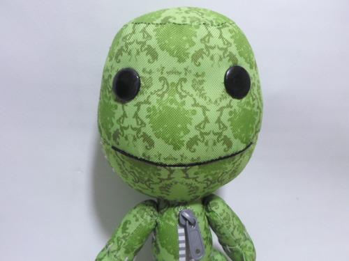 sackboy peluche original con traje de dinosaurio mide 28 cm