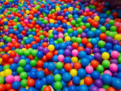 saco de bolinhas coloridas para piscina. saco c/350un 76mm.