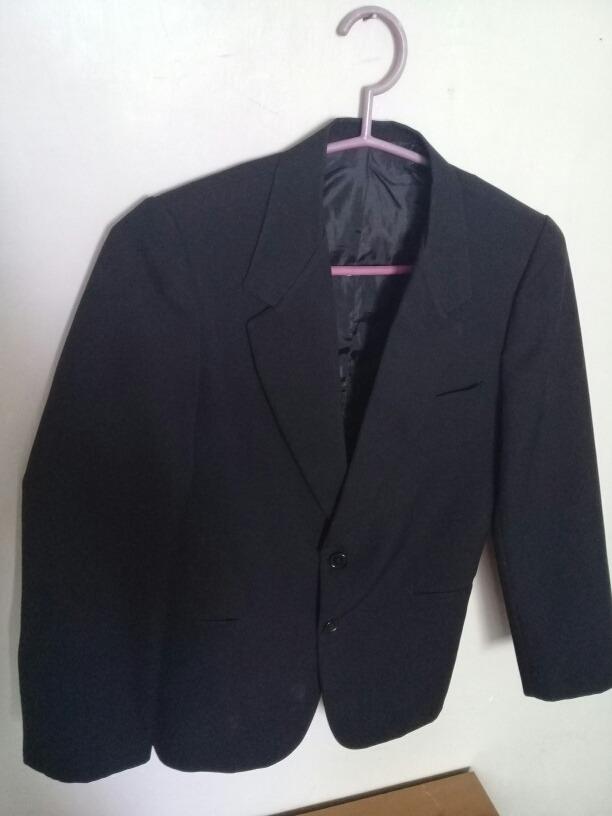 670fa0267 saco de traje de vestir para niño negro. Cargando zoom.