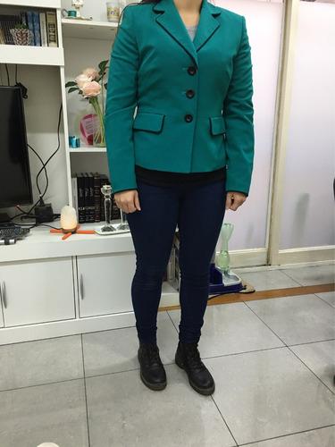 saco y falda  color verde y negro talle s