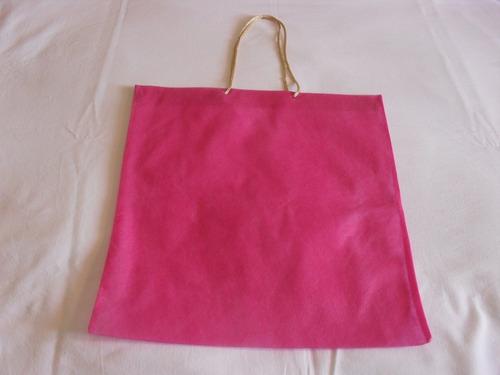 sacola em tnt pink - tam. aprox. 37x34 com 10 unidades