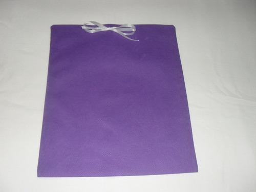 sacola presente em tnt roxa pacote com 10unid. - tam. 23x19