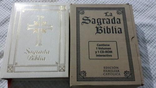 sagrada biblia católica. borde dorado. grande.