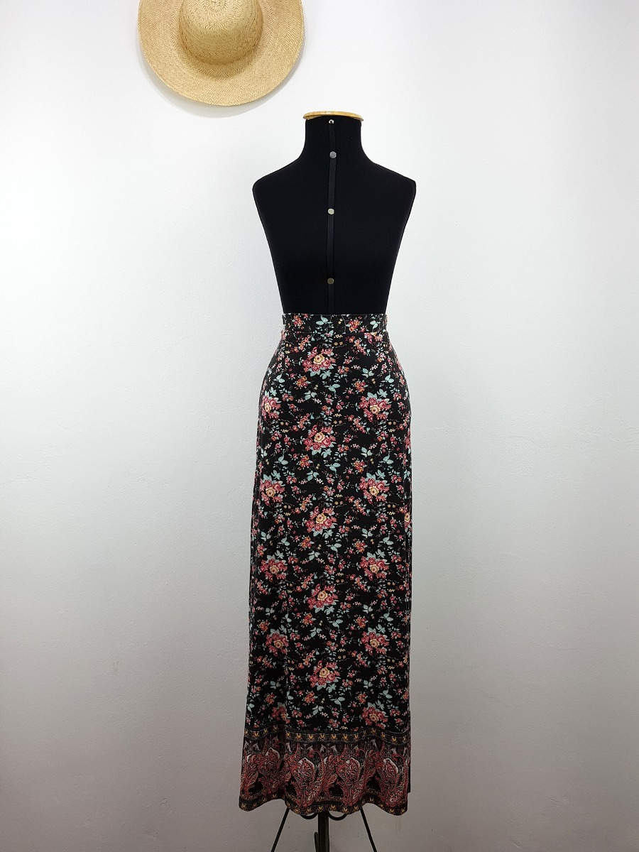 728f3f2ffe saia feminina longa doce trama cintura alta estampa floral. Carregando zoom.