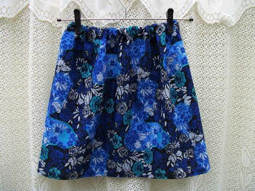 saia floral azul