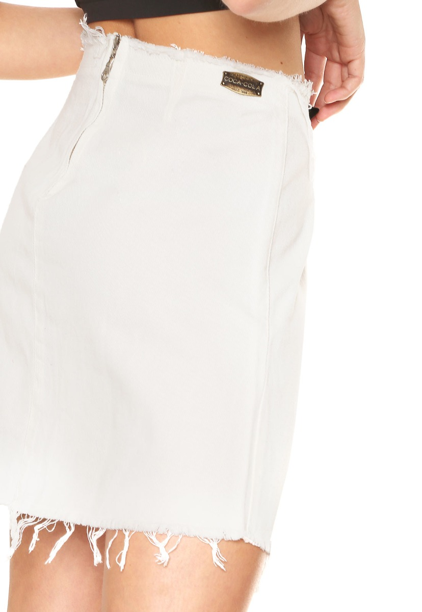 2ffc5213aa saia sarja coca-cola jeans curta desfiada branca. Carregando zoom.