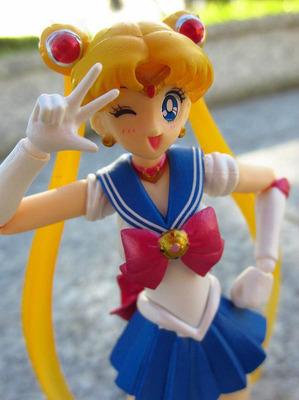 sailor moon figura accion