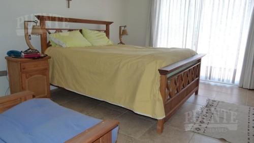 saint thomas casa con pileta,  3 dorm   dep.