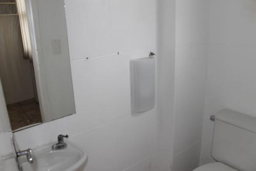 sala barro preto, armários planejados, oportunidade pelo valor, decorada - 1007