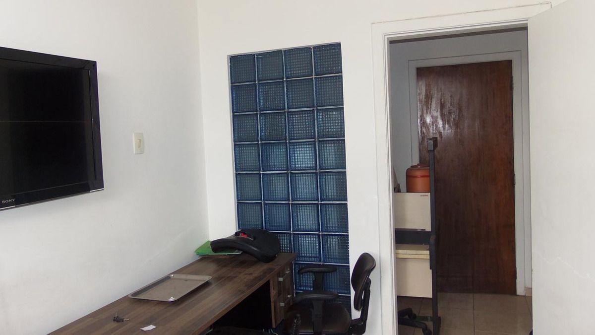 sala bem localizada ótimo preço - em frente ao jaguarão - 978