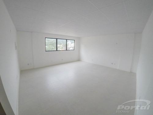 sala comercial com aproximadamente 46 m², 01 vaga de garagem, no bairro velha. - 3578957