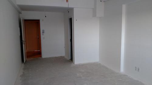 sala comercial de 31 m2 privativos no cabral!!