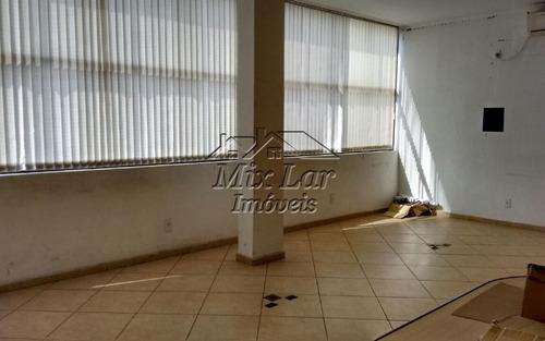 sala comercial de 70 m² de área total com 2 banheiros, copa e 4 vagas de garagem