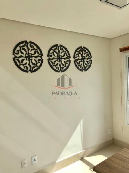 sala comercial em condomínio para locação no bairro tatuapé, 01 vaga, 39,02 m²,sala com divisórias, ar condicionado, porcelanato, luminárias, mesas, fechamento em vidro da sacada. - 1633