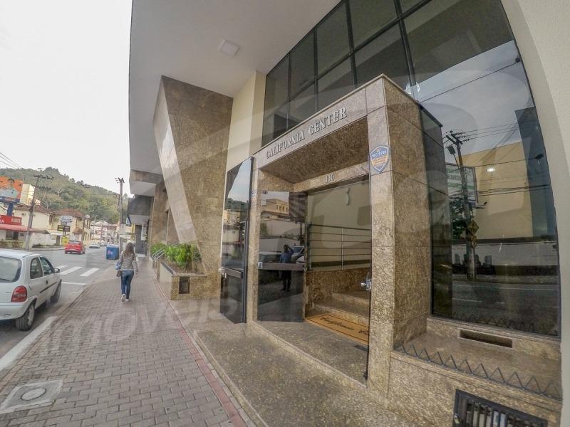 sala comercial no centro de blumenau com 107m².  - 3572881