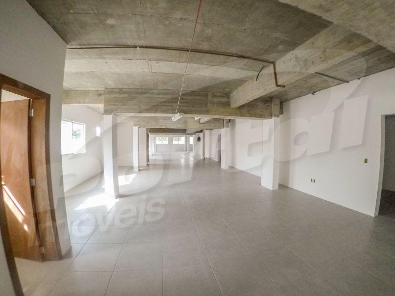 sala comercial nova, localizada na região central, final da alameda rio branco, livre de enchentes e desbarrancamentos com 105.23m², 01 banheiro e 1 vaga de garagem. - 3578795