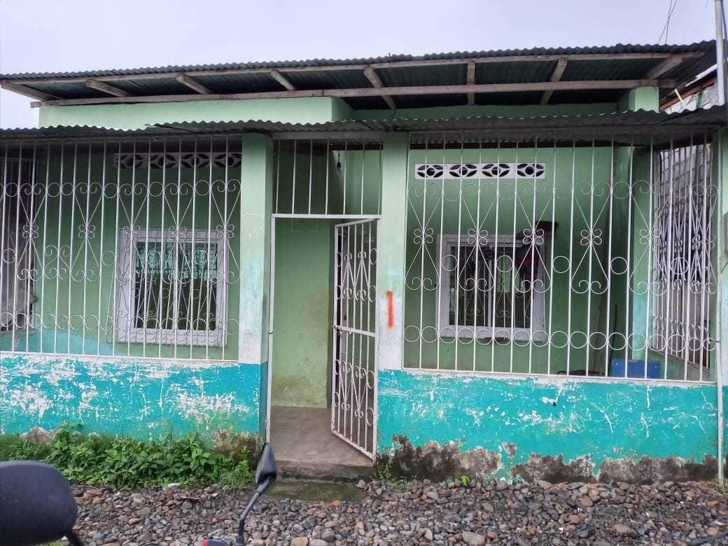 sala cosina 2 habitacion un baño y patio