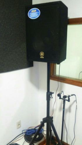 sala de ensayo y estudio de grabación feedback
