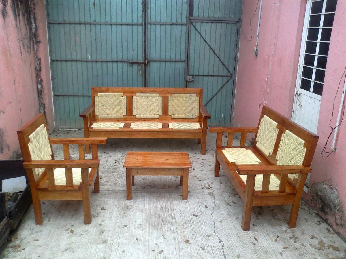 Sala de estar tejida con palma en madera de cedro for Salas de madera modernas