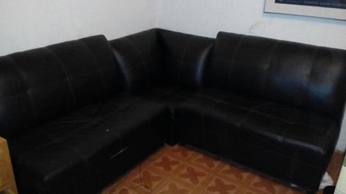 sala de vinil 3 piezas . 2 sillones y un taburete  remate! .