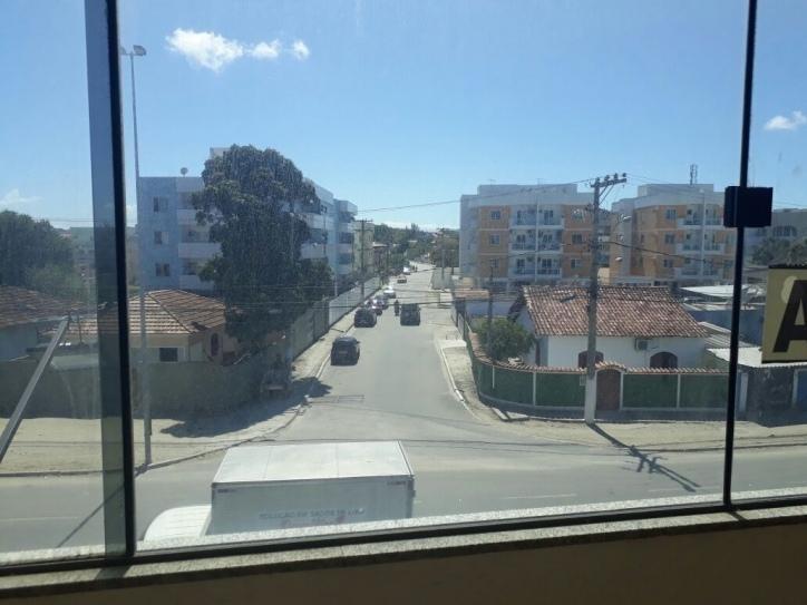 sala em centro, são pedro da aldeia/rj de 35m² para locação r$ 800,00/mes - sa328102