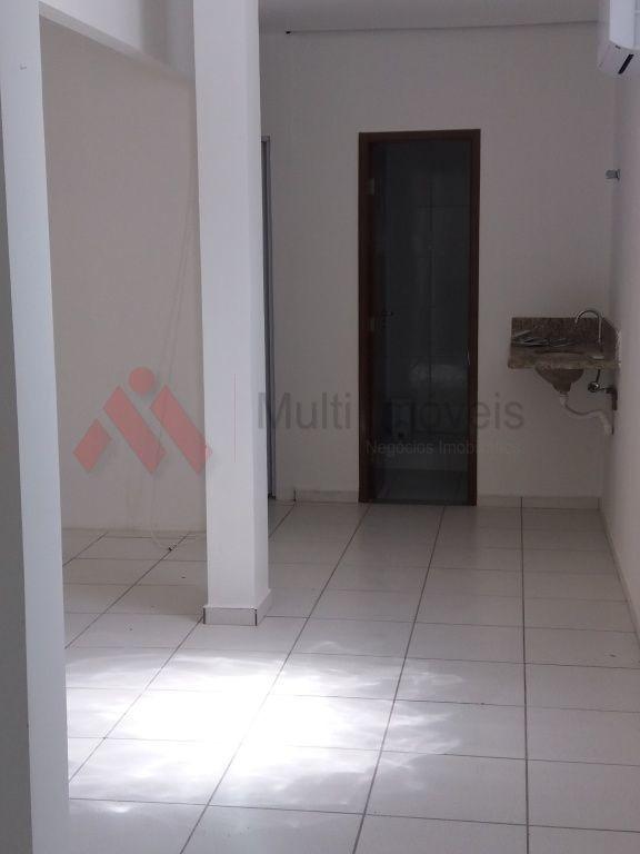 sala na av. higienópolis, 1º andar com 100m2 e dois banheiros - mi463