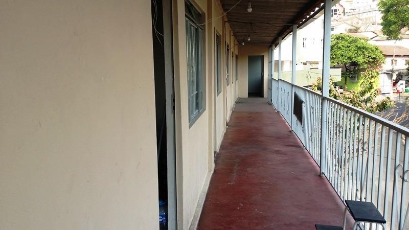 sala no bairro havaí sala no bairro havaí com sala e banheiro. na rua maria beatriz, próximo a comercio e ponto de ônibus. - 1942