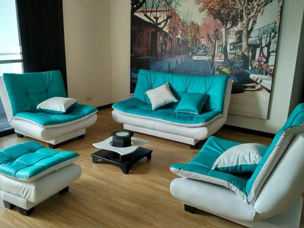 Sala reclinable sofa dos sillas puff y cojines decorativos for Juego de sala precios