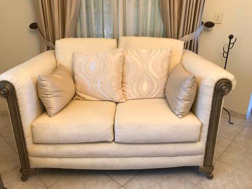 sala y sillones gregorianos