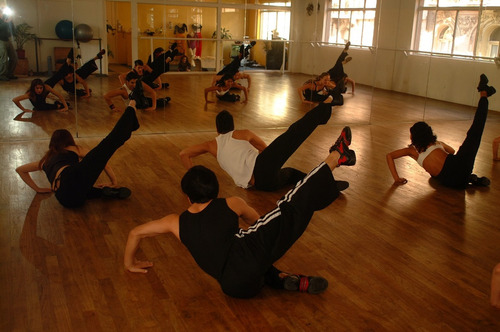 salas de danza para ensayos, clases.(ademas clases de danza)