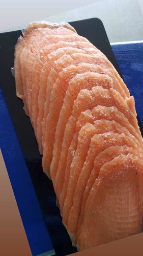 salmón ahumado frío slice