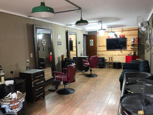 salão cabeleireiro instalações funcionando .