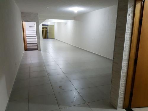 salão comercial em esquina, estacionamento amplo. 1.680m²