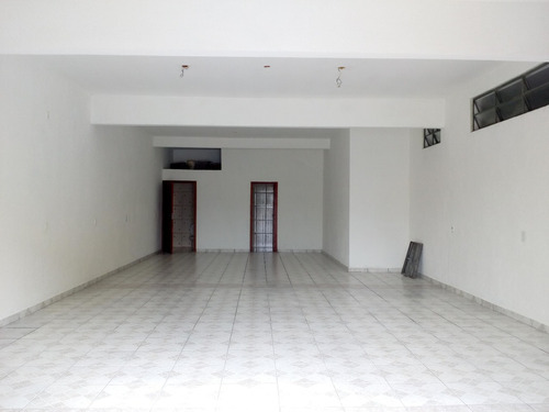 salão comercial térreo com 90 m² piso superior excelent casa
