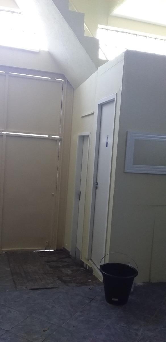 salão ótima localização 90metros