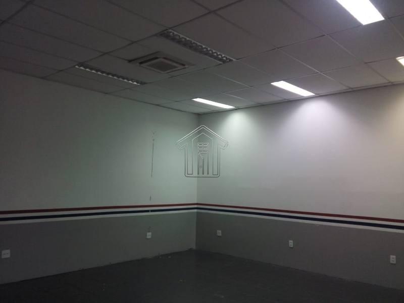 salão para locação no b centro, 5 vagas, 700 metros - 9498ig