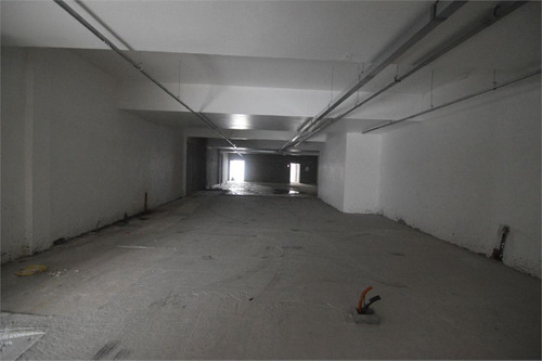 salão vão livre ao lado do metrô. - 3-im194660