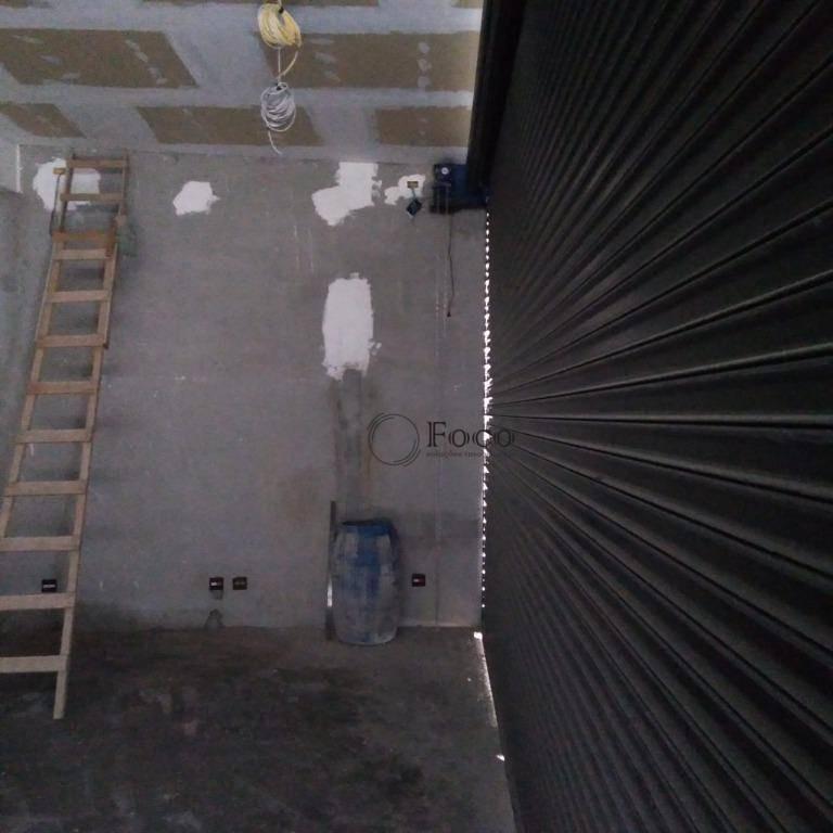 salão/loja - 174m 2 banheiros, cozinha e areá externa e espaço para mezanino. - sl0120