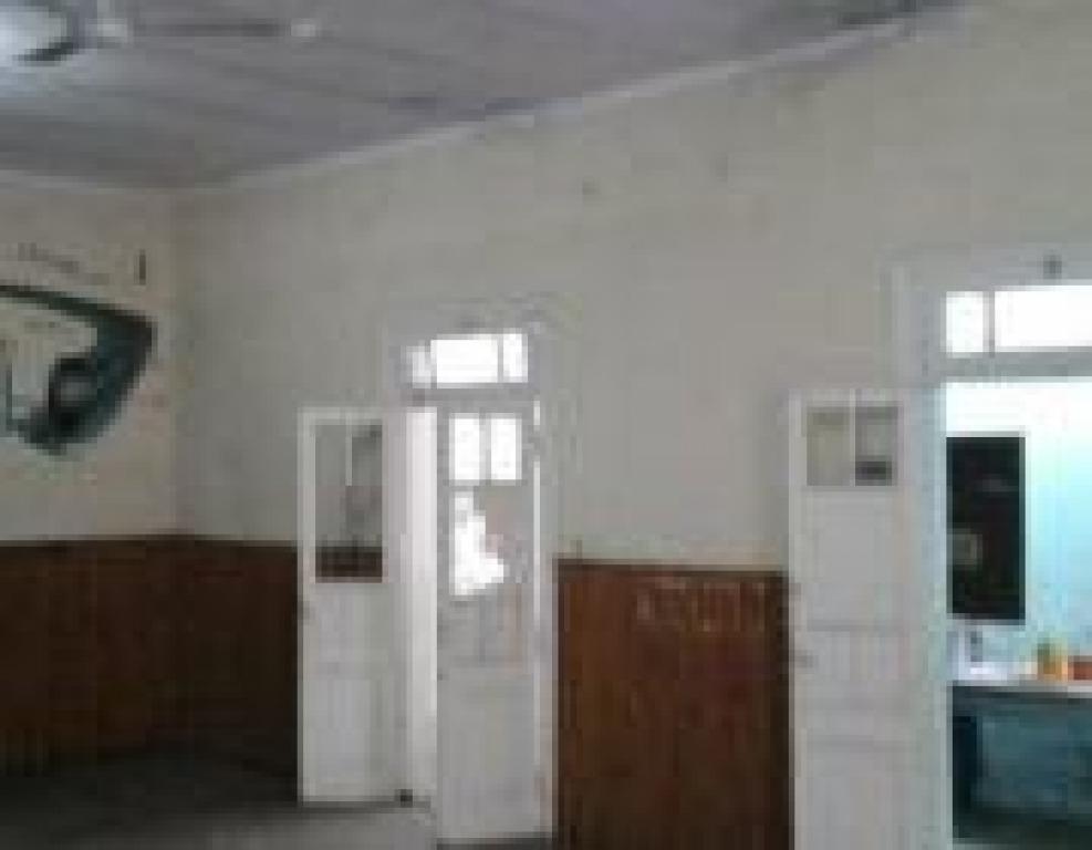 salón antiguo cercano centro de libertad