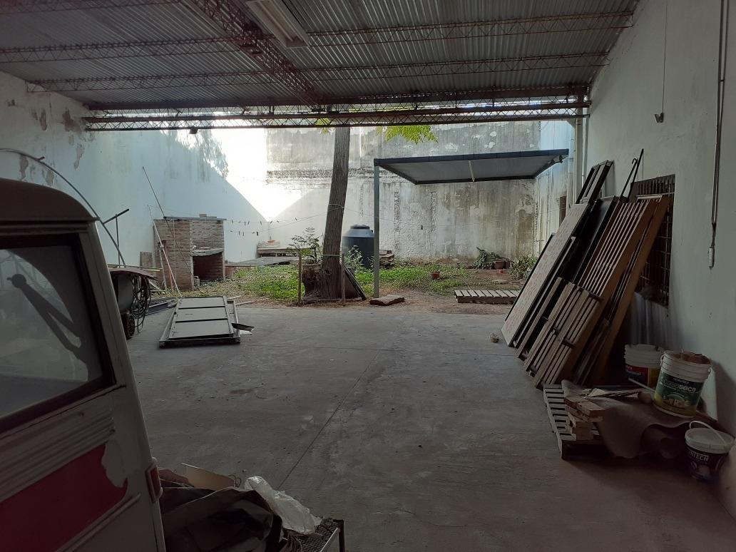 salon comercial con oficinas y deposito, alquiler o venta