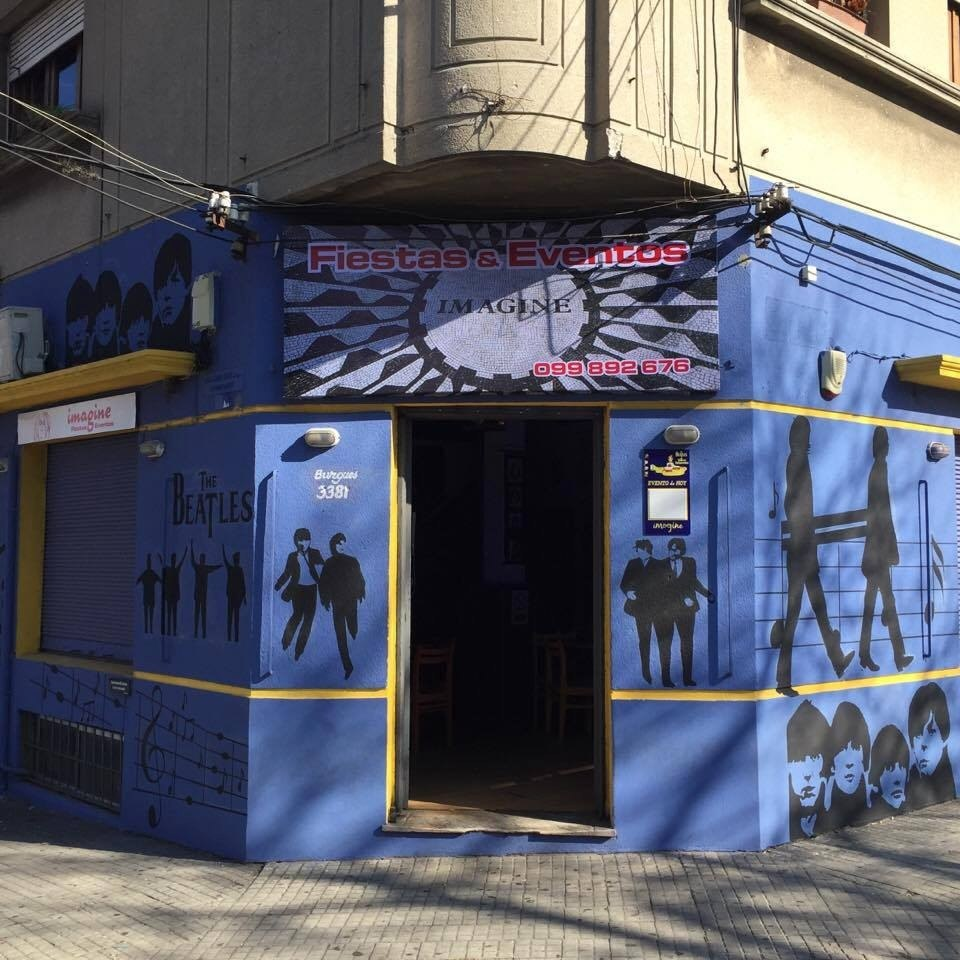 Salon de fiestas eventos imagine 2 pisos de diversion for Salones de pisos