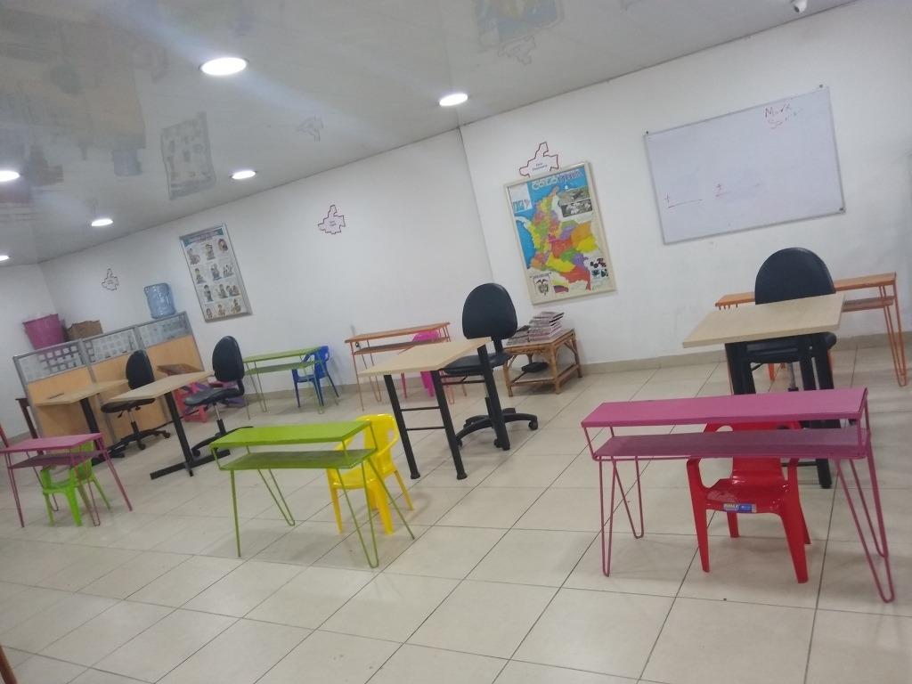 salón de tareas y refuerzo escolar.