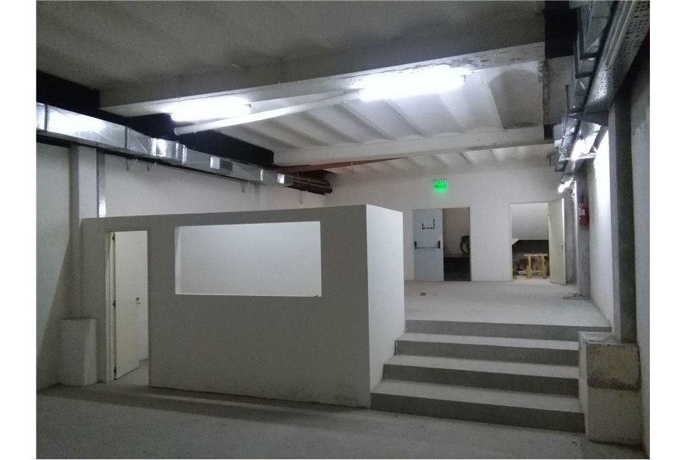 salon / deposito 243m2 galeria ss  bart mitre1200